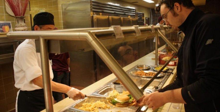 Service de restauration primé le jour, désert alimentaire la nuit
