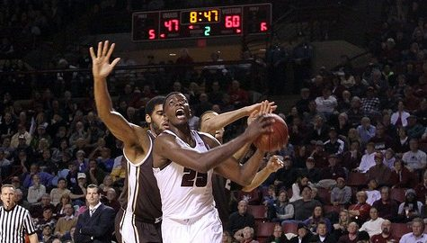 UMass basketball closes out non-conference play with win at Elon