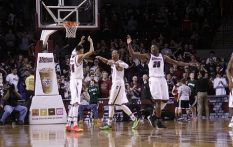 UMass men's basketball prevails over Bonnies with comeback effort