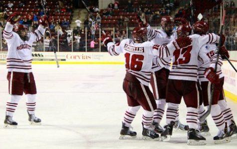 UMass hockey rallies in third period to tie BU