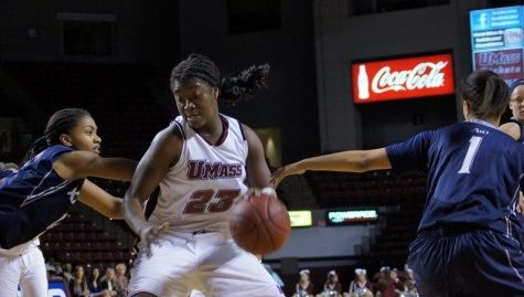 UMass women's basketball losing streak reaches double digits
