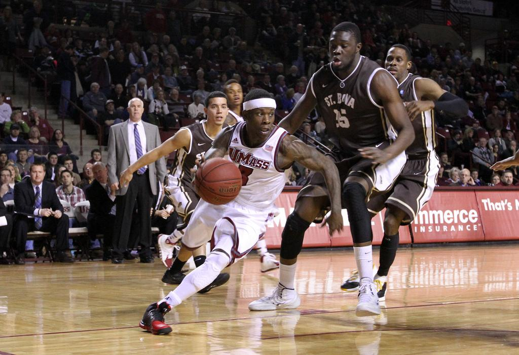 Watch live: UMass men's basketball takes on George Mason