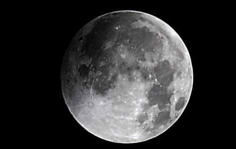 UMass geoscientists finds 2012 lunar models similar to model from 1960s