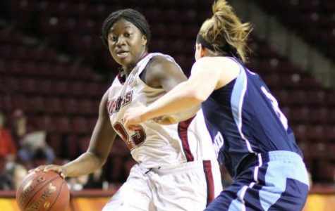 UMass women's basketball snaps losing streak with win against Rhode Island