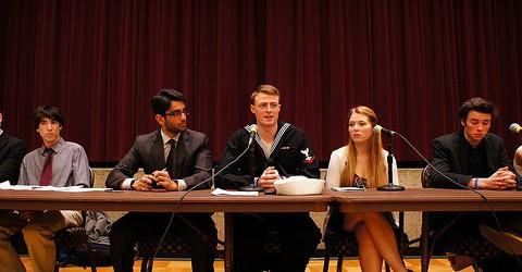 Cooperation, student empowerment major buzzwords in SGA Trustee debate
