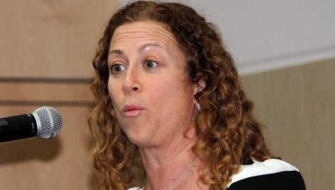 Jodi Picoult to be the guest speaker for Dinner with Friends