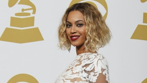 Beyonce poses backstage during the 56th Annual Grammy Awards at Staples Center in Los Angeles on Sunday, Jan. 26, 2014. (Allen J. Schaben/Los Angeles Times/MCT)