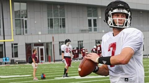 UMass quarterback Blake Frohnapfel (Robert Rigo/Daily Collegian)