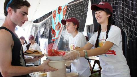 Students at the University of Massachusetts received lobsters and clams as part of the record-breaking clambake on Sept. 1 (Cade Belisle/Daily Collegian)