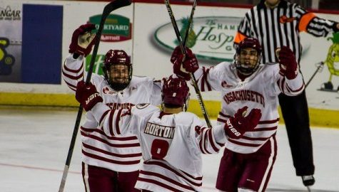 Underclassmen lead UMass hockey to first victory of the season