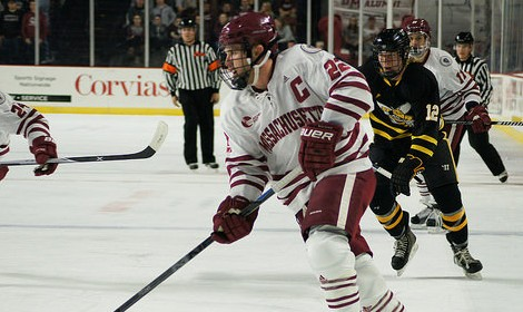 Offensive surge provides UMass hockey first home win of the year