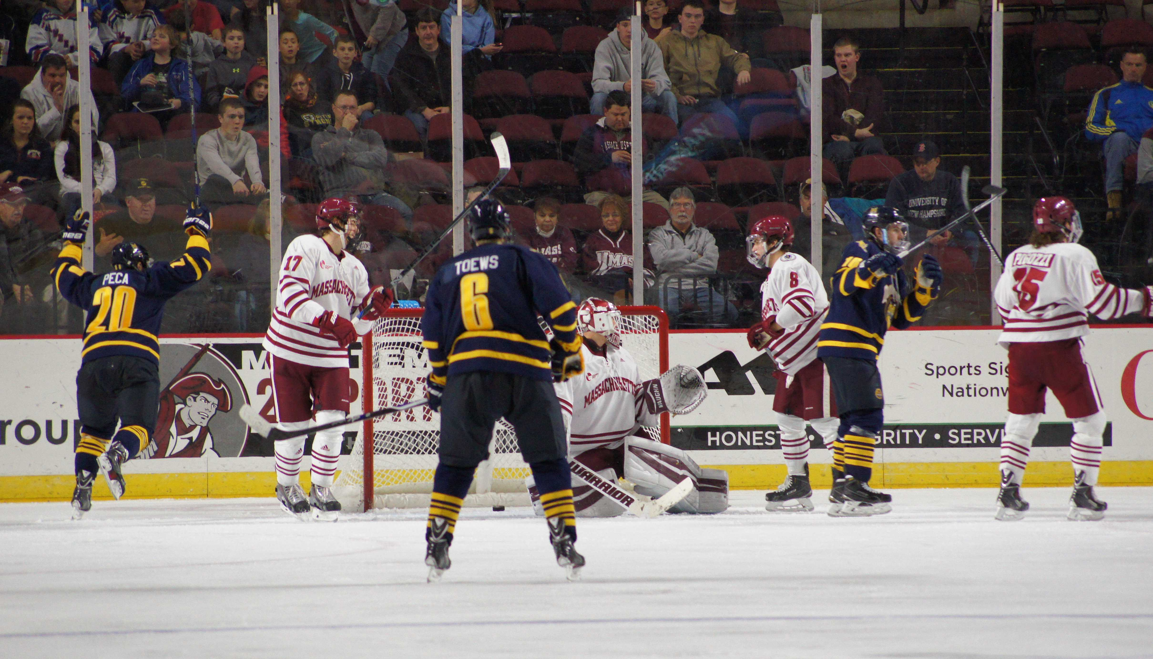 UMass hockey falls to Quinnipiac due to struggling special teams play