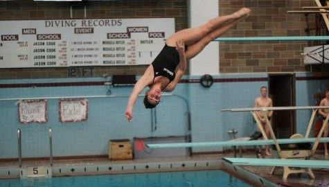 UMass men's and women's swimming and diving optimistic at midway point