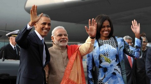 NEW DELHI, Jan. 26, 2015  U.S. President Barack Obama, left, first lady Michelle Obamaand Indian Prime Minister Narendra Modi gesture upon arrival at the Palam Air Force Station on Jan. 25, 2015 in New Delhi, India. U.S. President Barack Obama on Sunday arrived in India for a three-day visit of the country. (Xinhua/Zuma Press/TNS)