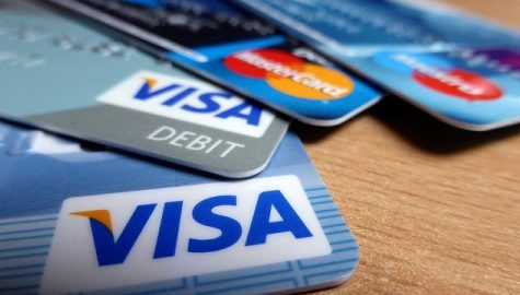 As a college student, owning a credit card has its pros and cons