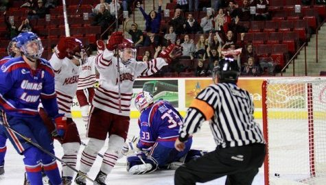 UMass hockey strives for repeat performance against UMass Lowell this weekend