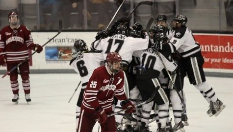 Another blown third period lead results in heartbreak for UMass hockey