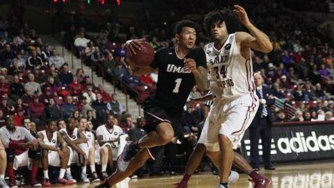 SLIDESHOW: UMass Basketball vs. St. Josephs