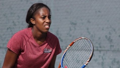 Chanel Glasper ties UMass tennis school record in victory