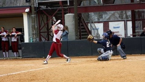 UMass softball fails to reach expectations in up-and-down 2015 season