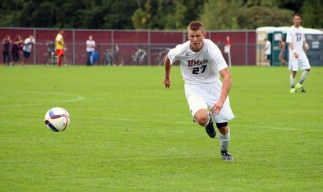UMass men's soccer ends nonconference play with 2-1 loss to Brown