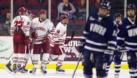 UMass hockey once again finds success in third period in tie with UNH