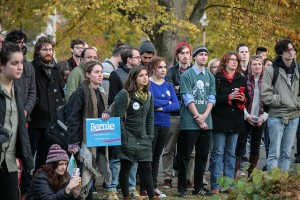 VIDEO: Bernie Sanders rally attracts hundreds at UMass