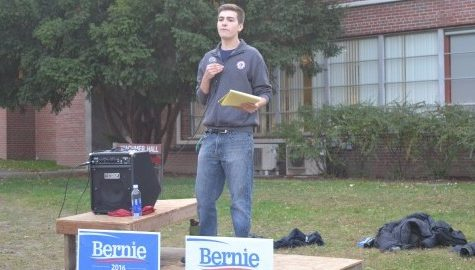 Students host rally in support of Bernie Sanders