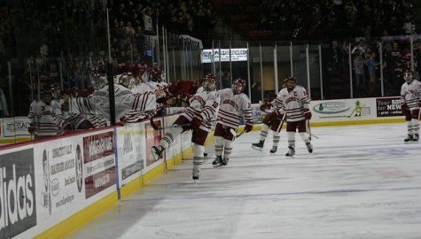 UMass hockey battles back from three goals down to tie Vermont