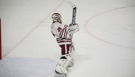 UMass hockey suffers first setback against No. 13 Yale Saturday