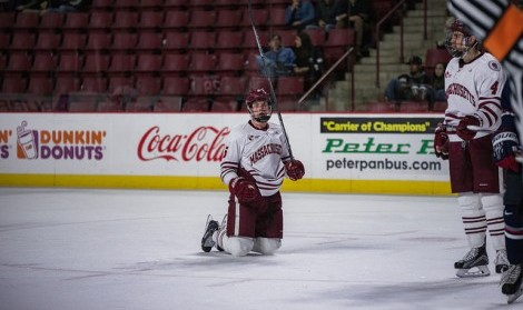 Kates: UMass hockey deserves bigger crowds when playing at home