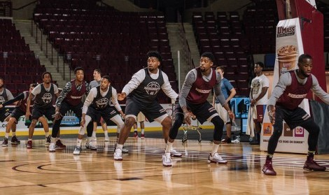 UMass basketball enters 2015 with long list of questions to answer