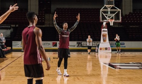 Rashaan Holloway, Malik Hines ready to be thrusted in to answer UMass' front court questions