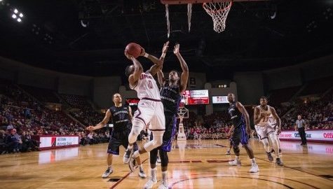 UMass men's basketball uses 3-point touch to blow out Central Arkansas Thursday night