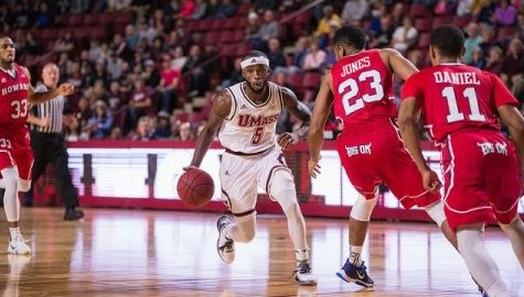 UMass men's basketball makes trip to Cambridge Tuesday to continue in-state rivalry with Harvard