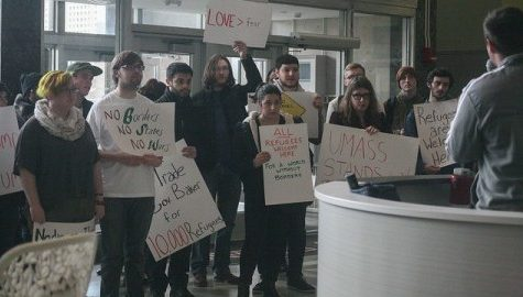 Students protest governor's remarks about Syrian refugees