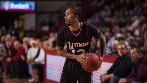 Trey Davis breaks Mullins Center record with 40 points in UMass' win over New Orleans
