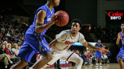 UMass men's basketball's losing streak reaches five in matinee loss to Saint Louis