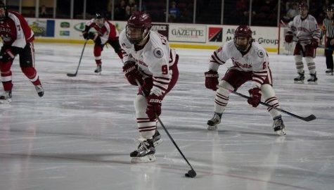 UMass hockey drops to in-state rival UMass-Lowell Friday night