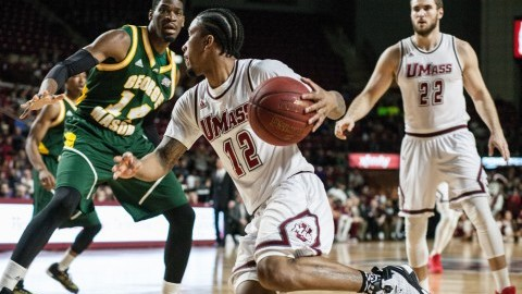 UMass men's basketball overcomes late George Mason run to secure 70-64 win
