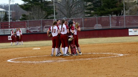 UMass softball takes one of five in FAU Parents Weekend Tournament