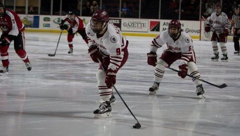 UMass hockey heads to Boston University for the first round of the Hockey East Tournament
