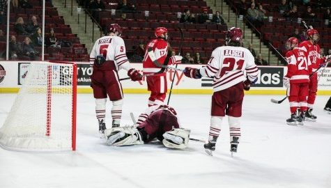 UMass hockey falls to No. 9 Boston University 2-1 in OT in Hockey East playoffs