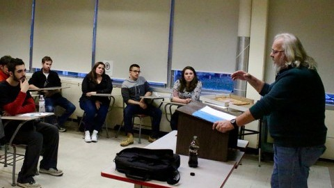 (Professor Vincent Ferraro speaks to UMass students on the current day Islamic State. Daniel Maldonado/ Daily Collegian)