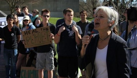 Jill Stein calls for total divestment from fossil fuels at Divest UMass rally Wednesday