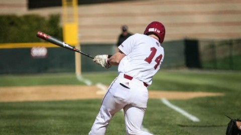 UMass baseball fails to take advantage of limited opportunities with runners on base, falls to St. Joe's