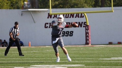 UMass quarterback Andrew Ford shines in place of injured Ross Comis