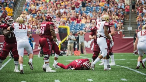 UMass football falls flat in Battle of the Bay State
