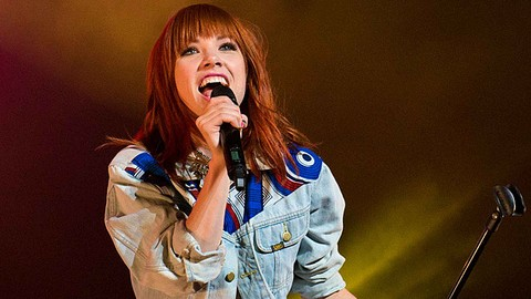 Carly Rae Jepsen's E.MO.TION: Side B perfectly effortless and bright