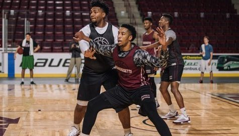 Recovering from a broken foot, Malik Hines aims to help UMass' front court in 2016-17